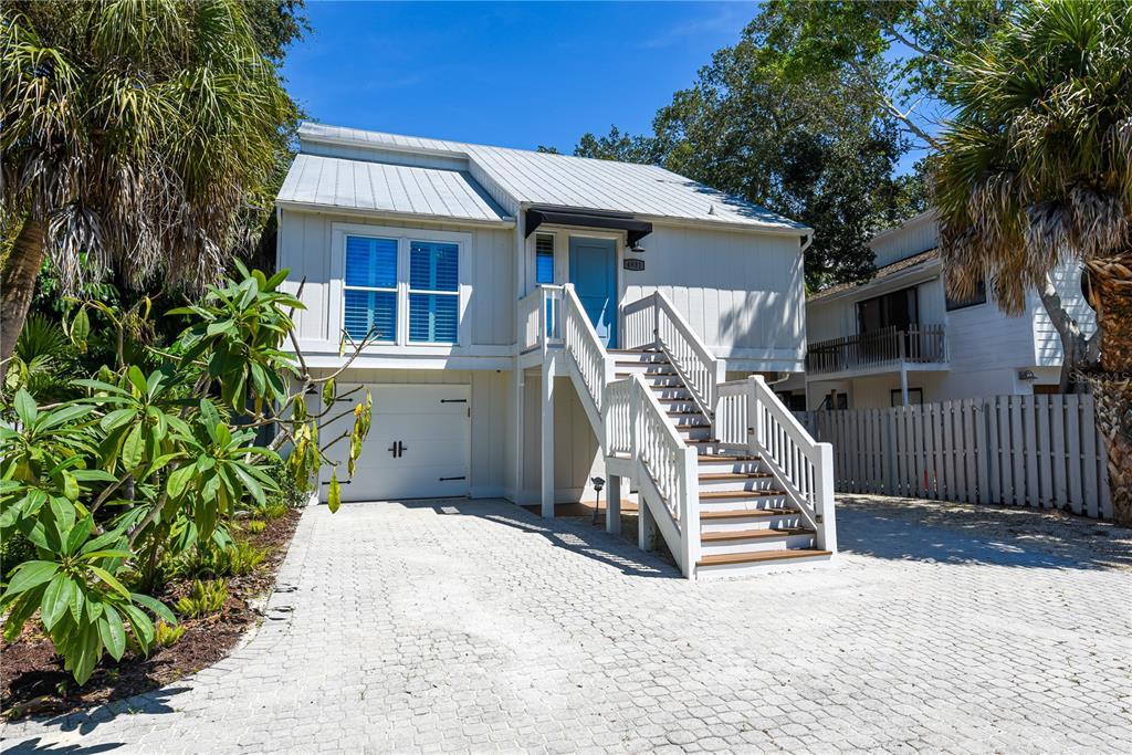 4931 Commonwealth Drive, Sarasota, FL 34242