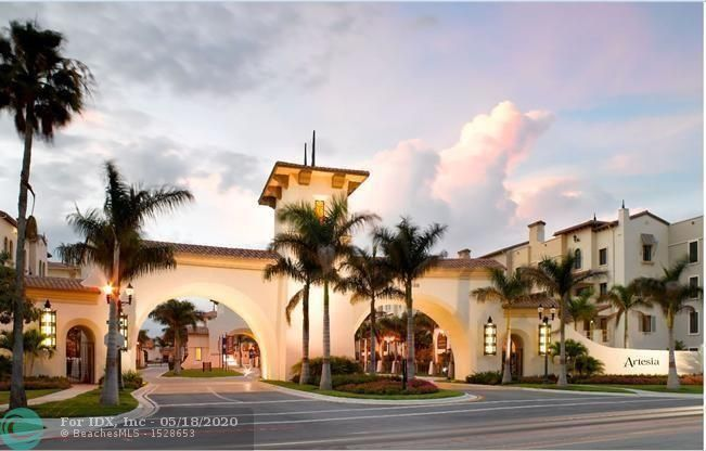 RESORT STYLE CONDO. BEAUTIFUL OPEN AIRY PLAN. TILE THROUGHOUT IN LIVING ROOM AREA AND WOOD FLOOR IN BEDROOMS. GRANITE COUNTER TOPS AND STAINLESS APPLIANCES. AMENITIES ARE SUPER CONDITION SUCH AS BUSNIESS CENTER, TENNIS COURT, INDOOR BASKETBALL, ADULT AND CHILD SWIMMING POOLS, EXERCISE ROOM, SAUNA, MASSAGE ROOM, BILLIARD, GAME ROOM, ART ROOM AND CLUB HOUSE, ETC. ACROSS FROM SAWGRASS MALL AND EASY ACCESS TO MAJOR HWY. CLOSE TO SHOPPING, RESTAURANT, AND FL AIR PORT.