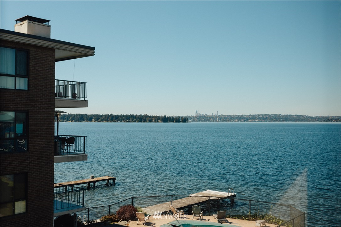 Oh-so-fly luxury waterfront living in the heart of Kirkland; Moorage potential, southern exposure, and gorgeous views of Lake Washington and the Seattle skyline from every room in this chic urban oasis. Thoughtfully designed space to #workfromhome and entertain with style from the water's edge to your sleek cook's kitchen and dreamy deck. Unwind in your tranquil master suite. A vibrant stroll away from shops, restaurants, and popular parks and just minutes from the center of the tech universe!