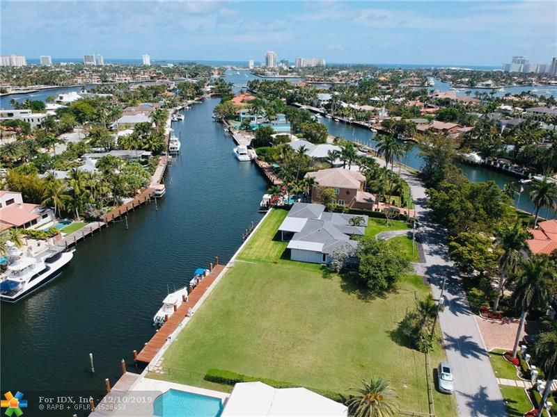 Build your dream home with 112' of waterfront in Rio Vista! This is a 14,000 sq ft lot measuring 112' wide by 125' deep. The lot has deep water ocean access with no fixed bridges. The property is just south of Las Olas, north of 17th Street with easy access to all local shops and restaurants, downtown and only a 10 minute boat ride to the ocean.