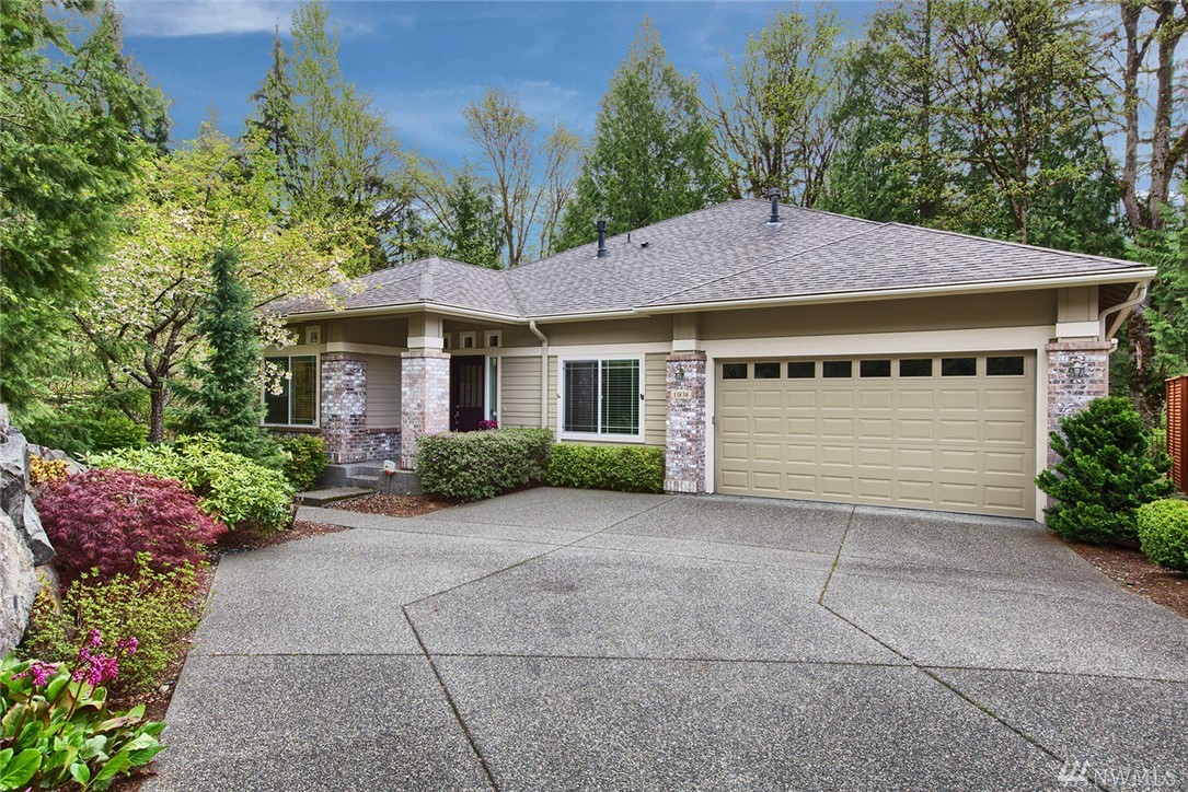 Large, private home and lot in Trilogy. This 2520 SF house has a unique extra finished room that could be used as a guest bed/craft room. The oversized 7268 SF lot has a fenced, private backyard surrounded by the greenbelt. Typical high-end Trilogy features include cherry floors, 10' ceilings, formal living & dining rooms, kitchen w/ eating area & granite/SS, m. suite  w/ 5-pc. bath. Also, leaf-guard gutters, high eff. gas furnace & A/C, generator hook-up, sprinkler system, extra garage storage.