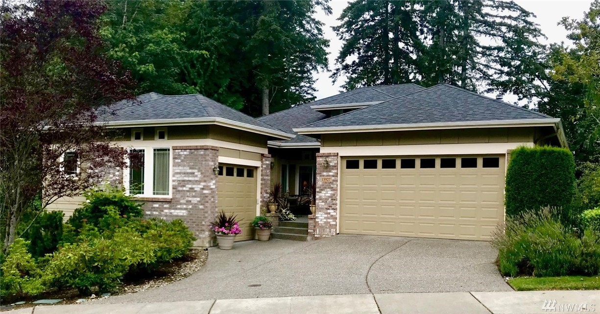 This award winning Hemlock floor plan sits on a large 12,000 sq ft corner lot as you enter the cul-de-sac. A huge greenbelt wraps two sides of it with wonderful hiking trails and tall trees!  It boasts well over $250k in original upgrades; 12' ceiling entry, great rm, en-suite guest rm, bay windows, A/C, central vacuum & security system, hardwoods, built in speakers, skylights, granite, dual walk in closets. Central clubhouse with tennis, golf and plenty of other activities!
