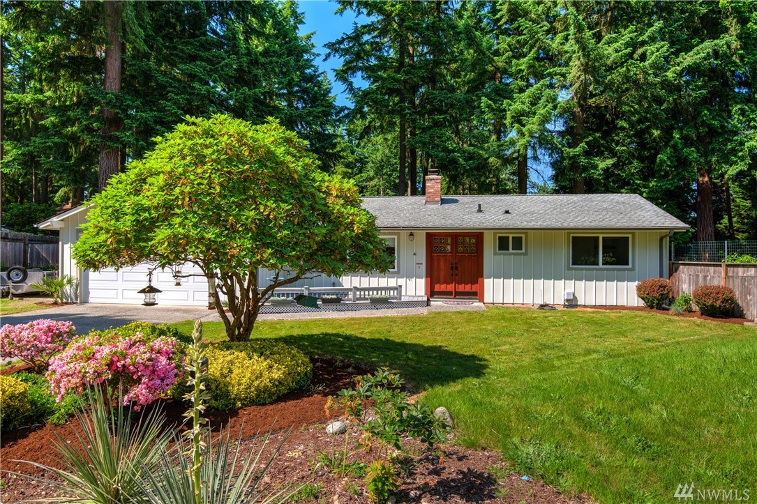Nicely remodeled rambler located on a large quiet lot close to Microsoft, Facebook, & Amazon! Award winning Lake Wa schools. Amazing Kitchen with beautiful new cabinetry and quartz counters. Efficient gas heat with many updated systems such as all new wiring and panel. Beautiful bamboo flooring & freshly painted inside. Parklike backyard with mature landscaping, large dog run, charming outbuilding, and firepit for Summer fun! RV parking completes this totally level & usable lot. Welcome home!