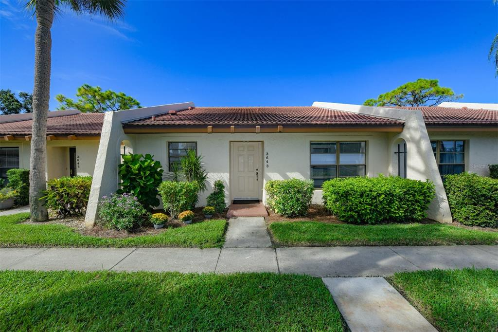 3643 Longmeadow 32, Sarasota, FL 34235