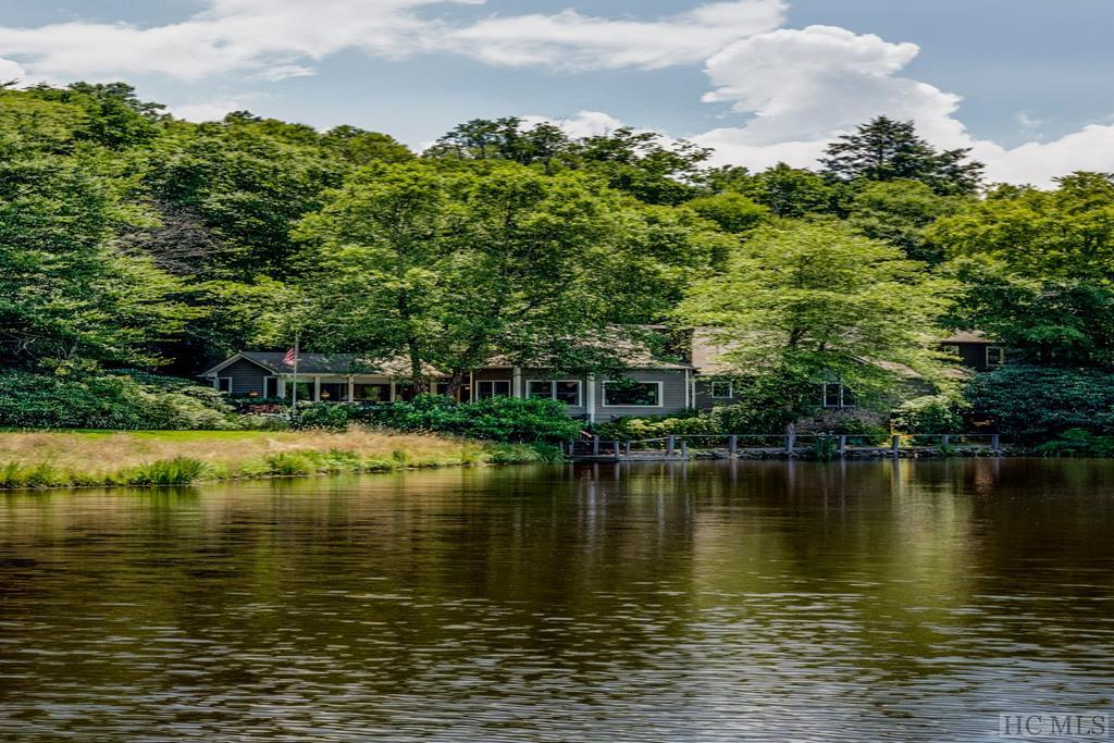 240  Lake Villas Way