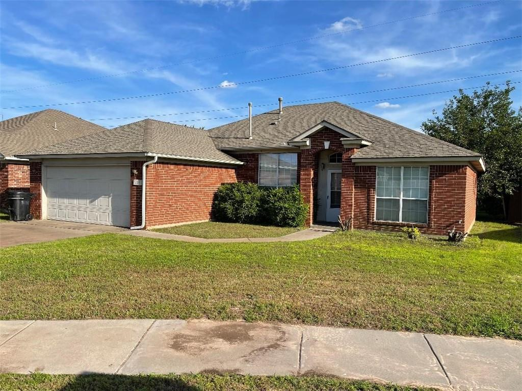 LOCATION! This home in Moore Schools is convenient to shopping, schools, Warren Theatre and dining.   Property sits in cul-de-sac and features open living, dining, and kitchen floor plan. Split bedroom floor plan. Lots of natural light. Showings on Saturday and Sunday from 12-5 only.