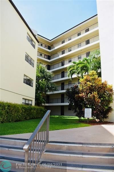CORNER UNIT CONDO IN CYPRESS BEND WITH GORGEOUS POOL AND WATER VIEWS FROM YOUR BALCONY. COMMUNITY IS ALL AGES AND OFFERS COMMUNITY CLUBHOUSE, GYM, PLAYGROUND, WALKING TRACK, CLOSE TO MAJOR HIGHWAYS AND JUST A FEW MILES TO THE BEACH. 1 CAT ALLOWED, NO DOGS.