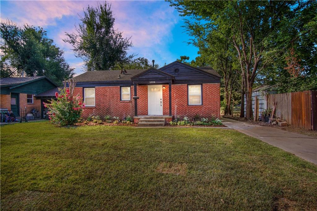 This 3 bed 2 bath has been beautifully updated! Featuring refinished wood floors, new paint throughout, new appliances, new granite counters in kitchen and bathroom, and new light fixtures. Schedule your showing today as this one won't last long.