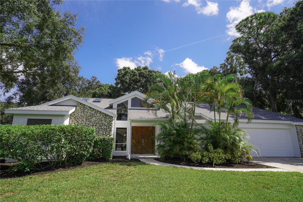 1755 Oak Lakes Drive, Sarasota, FL 34232