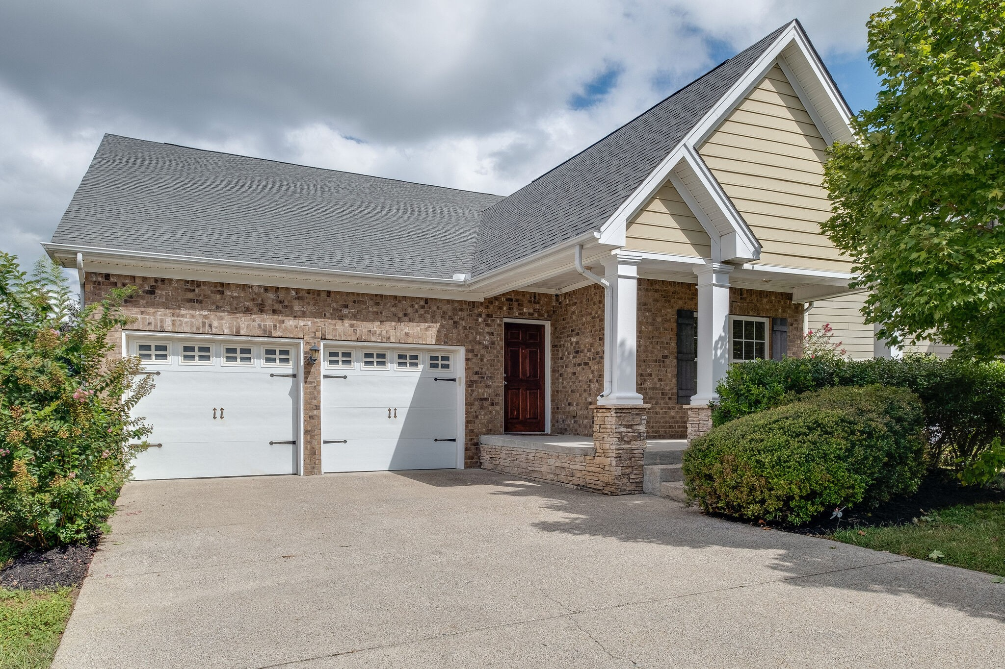 Bent Creek Rare Find! All brick,1-level, 4 bdrm home w/open plan & hardwoods in all rooms*Kitchen w/granite & tile backsplash*Primary bdrm w/large walk-in,bath w/granite,separate tub & tile shower w/frame-less door*3 secondary bdrms w/hrdwd & large closets*4th bdrm currently used as office*Oversized laundry w/custom storage cabinets + room for extra fridge or freezer*Large garage w/storage / workspace area*New HVAC*Large deck & great rear yard backing to huge common area*Only minutes to schools