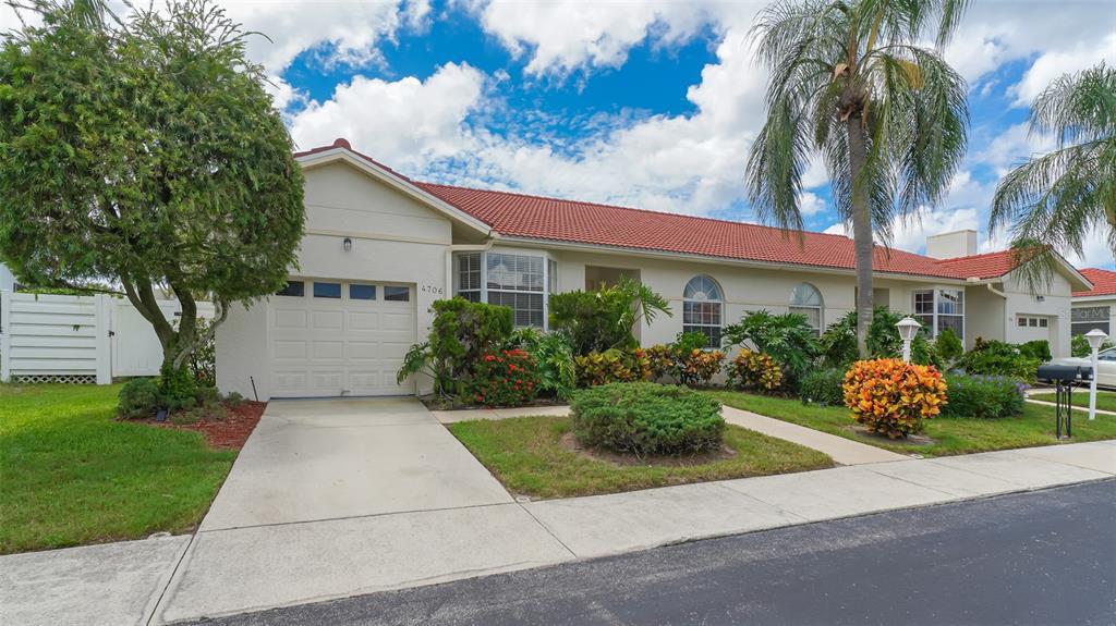 4706 61St Avenue Terrace W, Bradenton, FL 34210