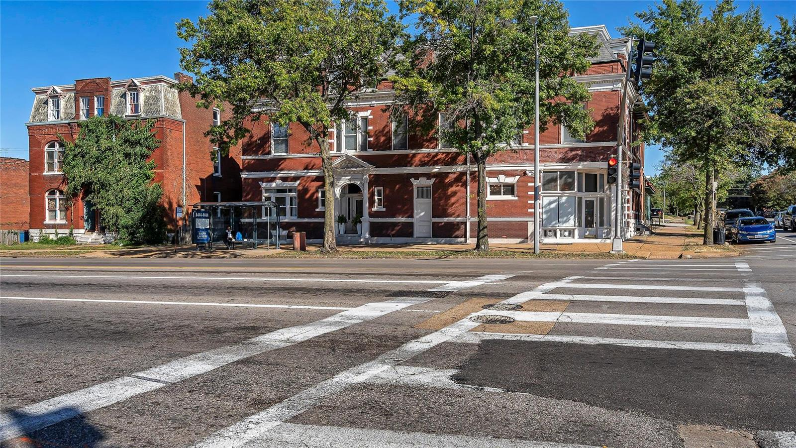 2345 Russell, St Louis, MO 63104