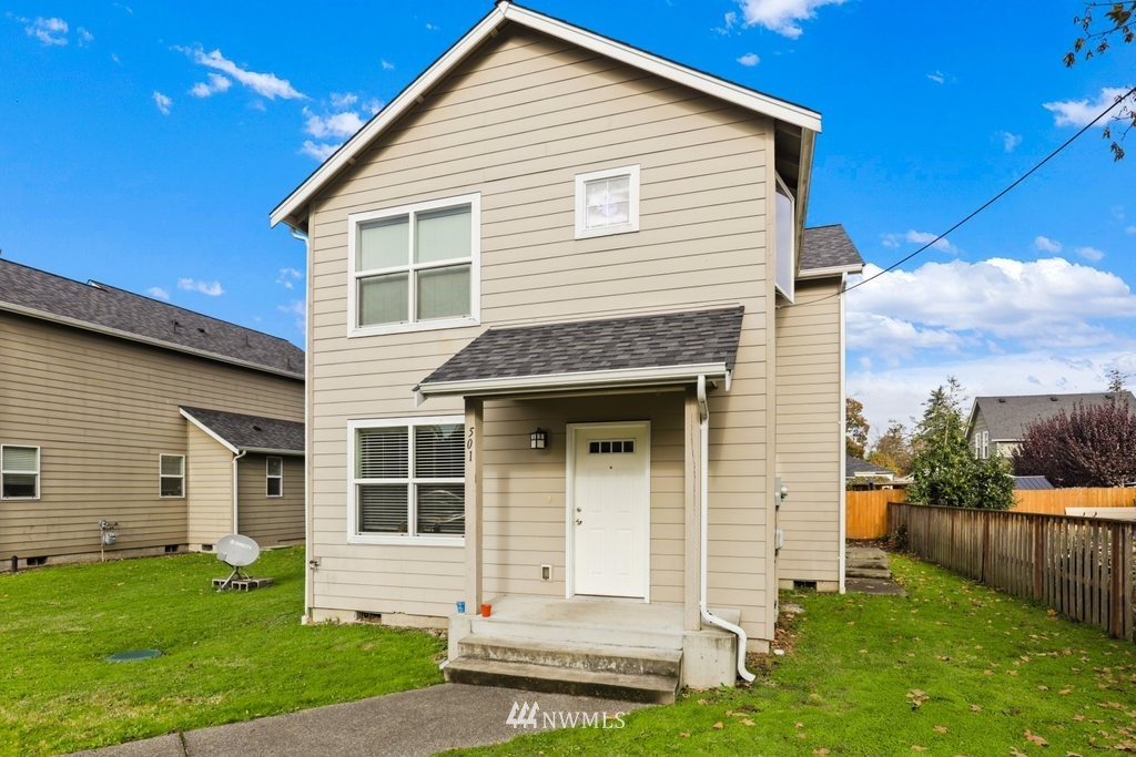 Amazing opportunity just steps from PLU! Open floorplan home boasting 6 bedrooms & 3 bathrooms with off street parking. Perfect for anyone needing a lot of bedrooms/bathrooms or investment rental. All appliances included!