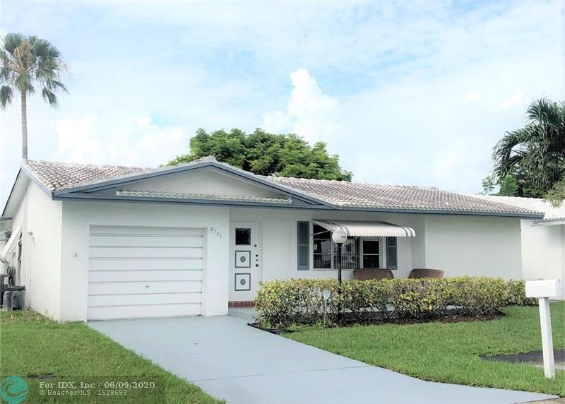 LAKEVIEW MODEL: 2 BEDROOM/2 BATH, SPLIT BEDROOM, 1 CAR GARAGE. LARGE FRONT PORCH. ENCLOSED REAR BONUS ROOM. A/C (2020), WATER HEATER (2020), DISWASHER, MICROWAVE & REFRIDGERATOR (2018), 4 NEW CEILING FANS, HI HAT LIGHTING, NEW WINDOW TREATMENTS,WALK IN CLOSETS.