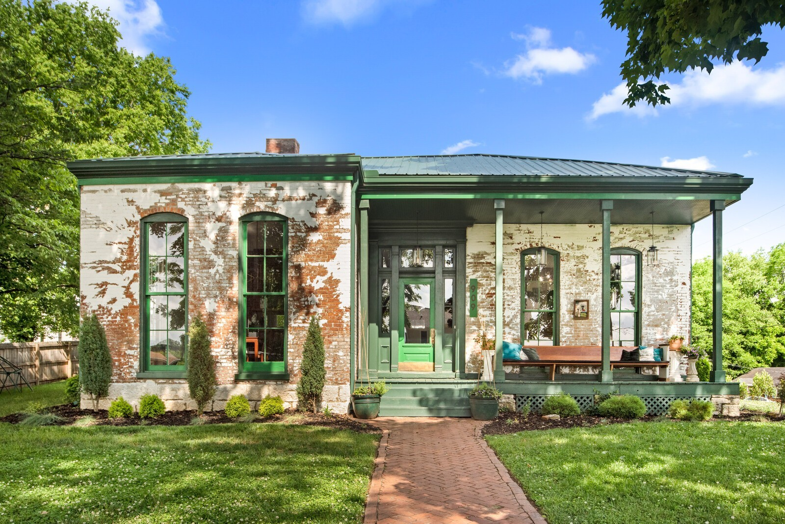 East Nashville Historic Stunner circa 1844 brought to you by the @SHEhabbers. Home of singer/song writer Beth Slater Whitson This one level home has been meticulously restored while maintaining its jaw dropping scale and character. A 1300sf addition was added to create a seamless modern floor plan and an entertainer's dream. Unique features include 13' ceilings, walk through windows, massive double shower w/soaking tub, custom vanities, green fence, rooftop deck and a private income property.