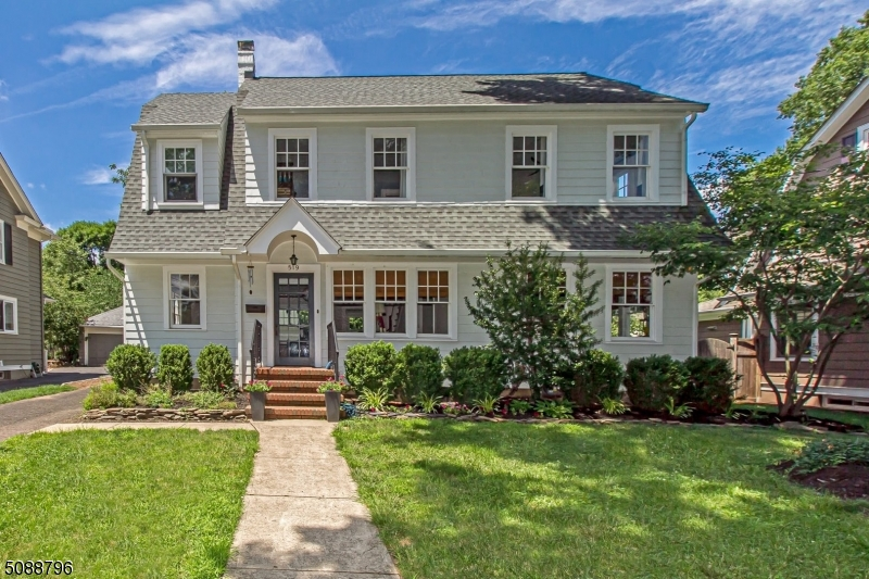 Gorgeous, classic five bedroom colonial with modern updates (new kitchen & 3 newly renovated baths) in a fantastic location in the Franklin School district in the heart of the spectacular Gardens! This well maintained home is located in one of most desirable neighborhoods & is convenient to everything: Westfield's Downtown, shopping, top rated schools, parks & NYC Transportation. Move right into this special home that boasts 5 bedrooms, 4.1 baths, detached 2 car garage & finished walk up attic. Features Include: Entry Foyer , Living Room w/Wood Burning Fireplace, Formal Dining Room, Kitchen w/Breakfast Area & Doors to Backyard, Basement w/Laundry & Rec Room, Storage & Much More! The private backyard is Perfect for Outdoor Relaxing or Entertaining. Click Link for a Tour & Floor Plans!