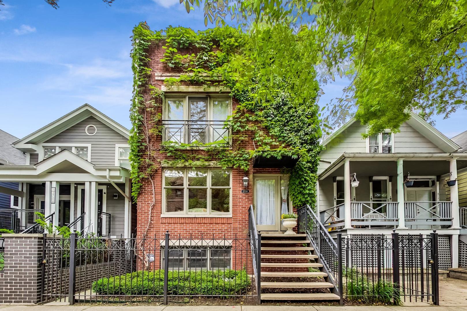 2708 N Wilton Avenue, Chicago, IL 60614