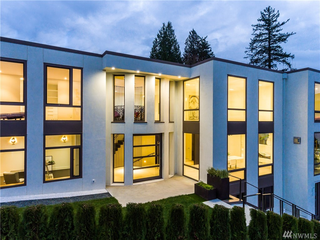 Timelessness and architectural Modernism come together in this luxurious waterfront dream home.  Floor to ceiling windows display expansive views overlooking Lake Washington. Smart home system, custom-built floating staircase, 2nd kitchen, and generous outdoor patio fit to entertain. 5 bedrooms, including master suite with jetted tub & large patio. Lower level offers game room, movie room, home spa & pet washing station. Ideally located in Medina easy access to Bellevue and Seattle.