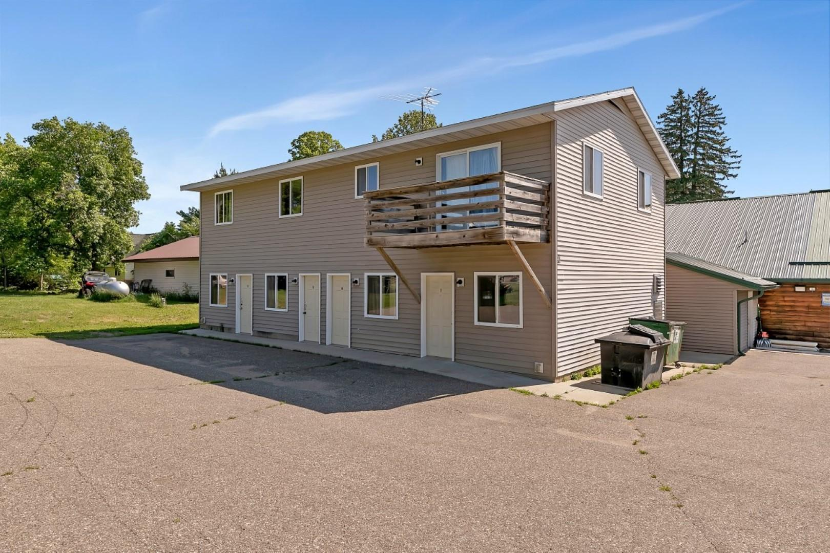 1 - 3 bedroom apartment, 4-1 bedroom hotel - efficiency units, no kitchen.  Owner will not sell rental unit prior to the sale of bar/restaurant.  Purchaser of Bar/restaurant has 1st option to purchase rental unit.  Current bar/restaurant/rental on one PID, seller will divide if purchased separately.