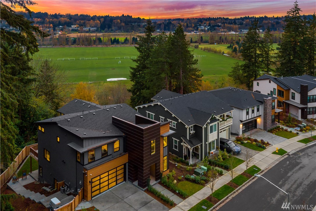 Fresh contemporary design with warm accents adorns this coveted 2017 Toll Brother's new construction residence. Crestview is just steps from the rhythm of Redmond's shopping district, the pulse of Wine Country, and Kirkland's waterfront.  Bright and open home with expansive master suite 180 degree unobstructed views of the Sammamish Valley. Open main floor for entertaining and large basement that could be a separate living space or rental income potential. Over $175k+ in upgrades.
