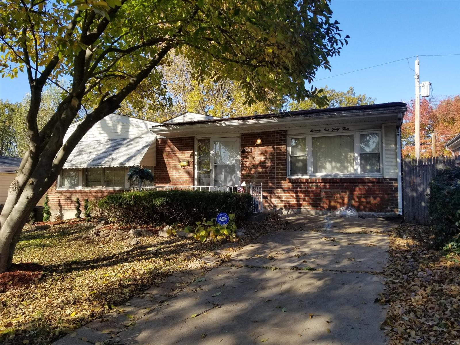 7143 Willow Tree Lane, University City, MO 63130