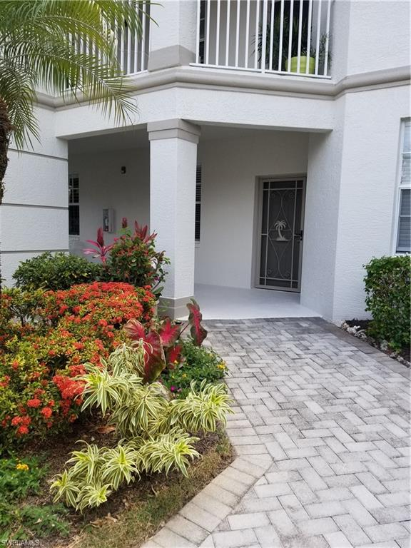 Great first floor 2 plus den, 2 bath, detached garage condo in the beautiful Legends Golf and Country Club. SOCIAL MEMBERSHIP included. Come see the newly enhanced, resort-style outdoor bar and pool/spa area.  The Wellington neighborhood also has its own pool on a cul-de-sac, private street. Within walking distance to the main clubhouse, resort-style pool, outdoor bar, fitness, tennis and more. Clean and bright! Wonderful location close to the airport, restaurants and shops, Jet Blue Stadium, beaches and so much more!