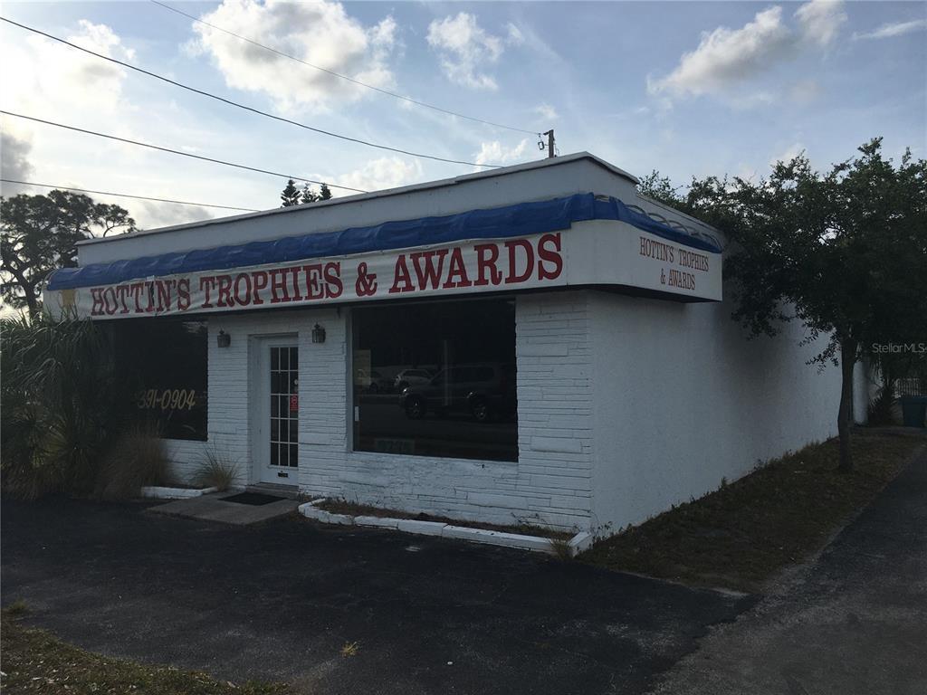 9275 Park Boulevard, Seminole, FL 33777