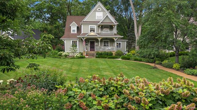 213 S Maple Avenue, Webster Groves, MO 63119