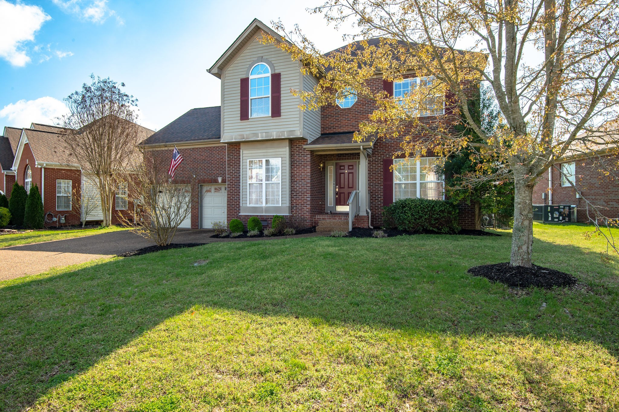 Updated and Move in Ready! Granite Counters, Fresh Paint, Hardwood Floors,Gas Fireplace Fenced Back Yard, & 4 minutes from Downtown Franklin! Home backs up to a large common area. Awesome Neighborhood Pool & Playground!