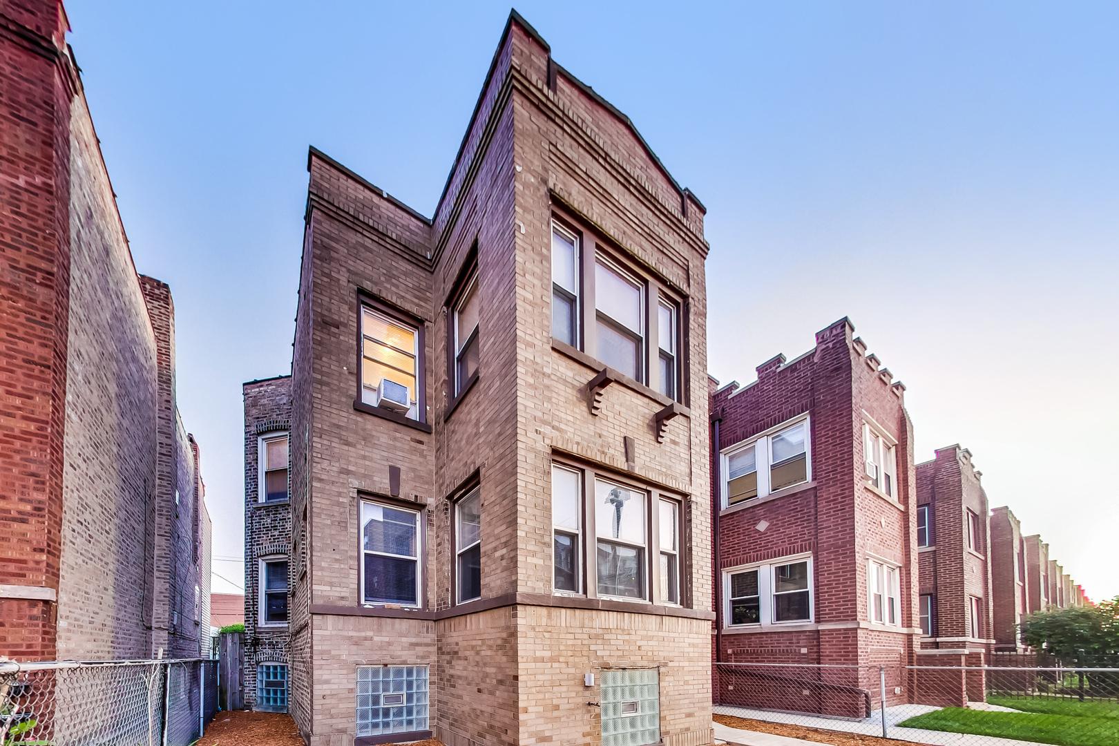 2265 W Diversey Avenue, Chicago, IL 60647