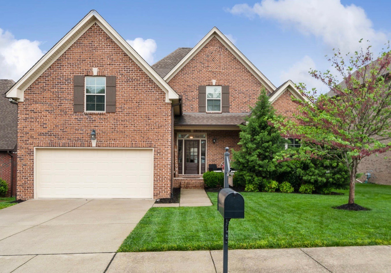 All Brick 4 Bedroom, 3 Full BA,  custom builder home in The Arbors! Brand New Carpet and Paint! Master and 4th Bedrm or Office down. Vaulted Family rm w/ FP, Real Hardwood floors, Spacious Kitchen w/ Granite Counters, island, pantry, tons of cabinets, and a generous dining area. 2 Bedrooms, full bath and bonus up! Walk in storage! Fenced backyard!