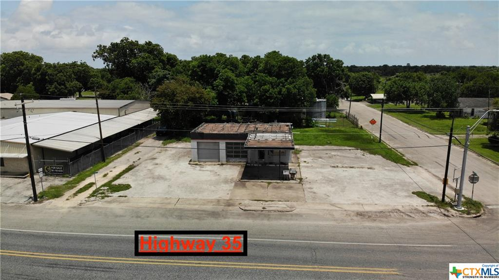 This is the investment opportunity you've been looking for! Commercial land at the MAIN intersection in Tivoli! ROAD frontage on a HIGH VISIBILITY corner with MAJOR developments around! Prominent Land, Commercial and INDUSTRIAL development forecasted along with AGRICULTURAL opportunities in the surrounding communities. Perfect for warehouse, distribution center, parking, storage, business storefront, sales office, corporate headquarters, and MORE! PRIME Real Estate that will pay big dividends! Call to schedule your tour today! #addFULLpower