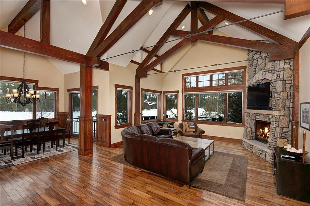 Outstanding home on eighth fairway of Keystone's River Course.  Great floor plan with south exposure, big windows, and lots of natural light. Split entry and main-level master suite with fireplace and washer/dryer. Separate office on main level. Lower level has 3 bedrooms, large family room, wet bar, and walk-out patio with built-in gas fireplace. Large kitchen with alder cabinets, granite counters, and oil-rubbed bronze fixtures. Walk to pro shop for summer golf and winter cross country skiing.