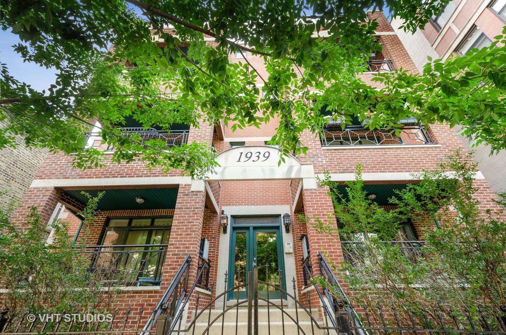 1939 N DAMEN Avenue 3N, Chicago, IL 60647