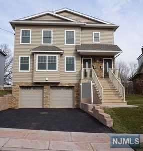 805 Charlotte Terrace, Ridgefield, NJ 07657