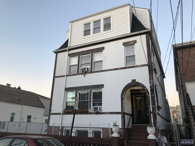 38 Grace Street, Jersey City, NJ 07307