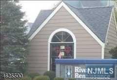 204 River Renaissance, East Rutherford, NJ 07073