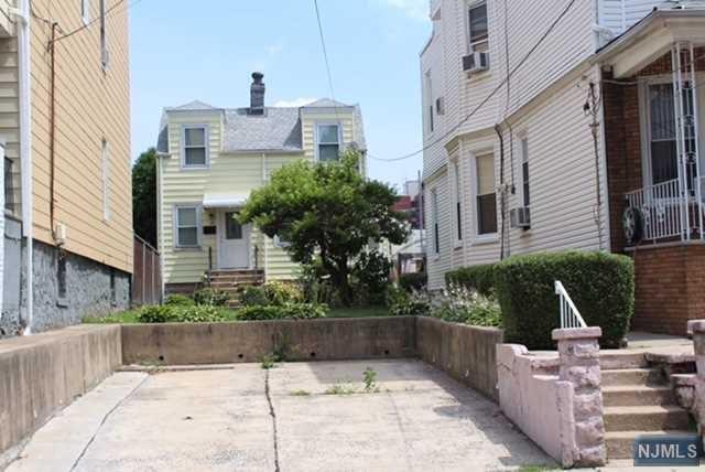 72 Charles Street, Jersey City, NJ 07307