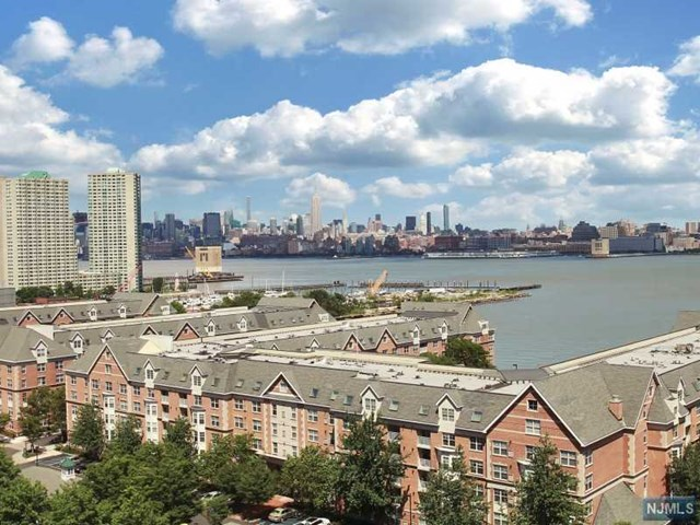 389 Washington Street, Jersey City, NJ 07302