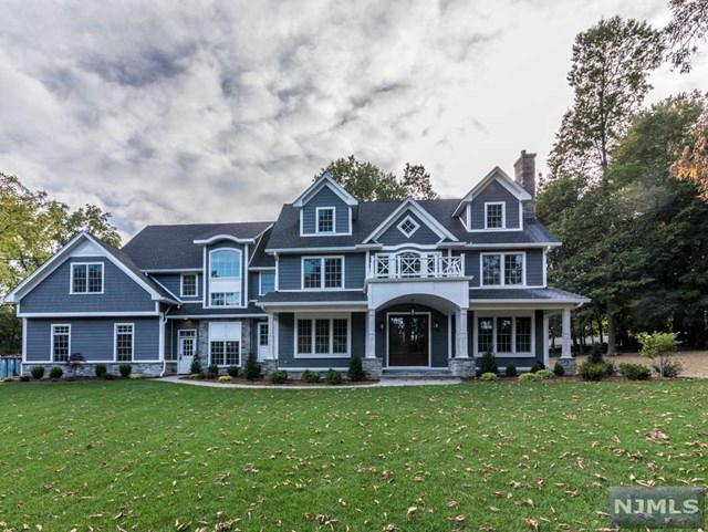 319 Kenneth Place, Wyckoff, NJ 07481