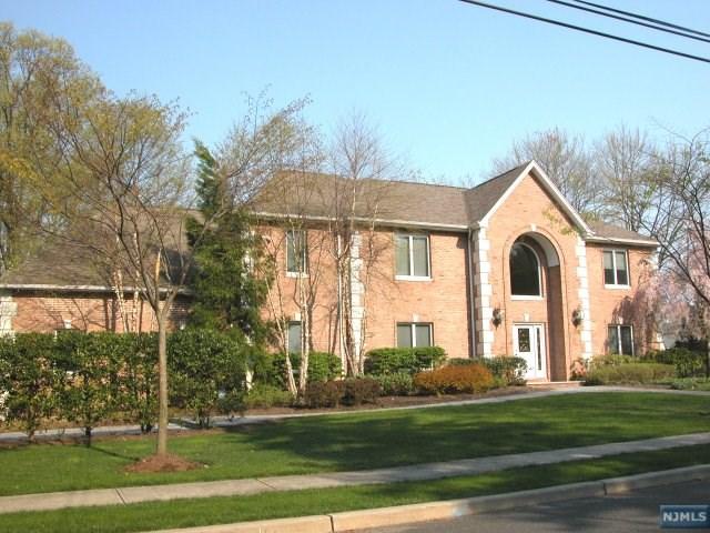 68 Macarthur Avenue, Closter, NJ 07624