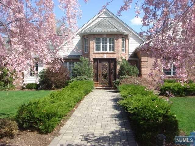 77 Gorga Place, Township of Washington, NJ 07676