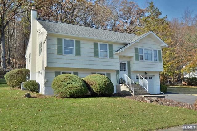 106 Red Twig Trail, Bloomingdale, NJ 07403