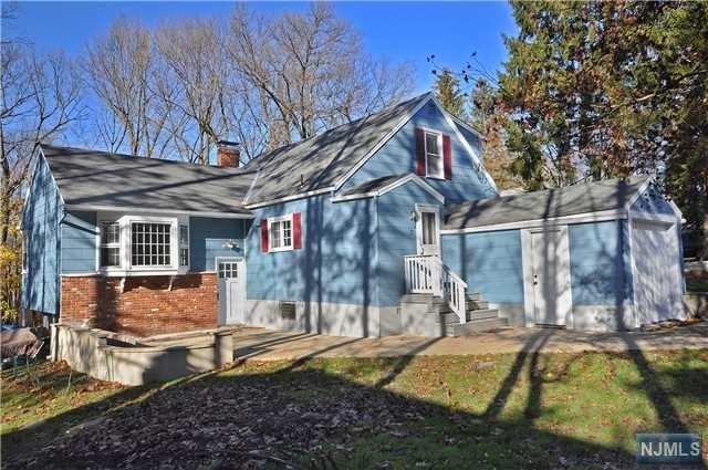 7 Farview Avenue, Randolph, NJ 07869