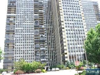 200 Winston Drive, Cliffside Park, NJ 07010