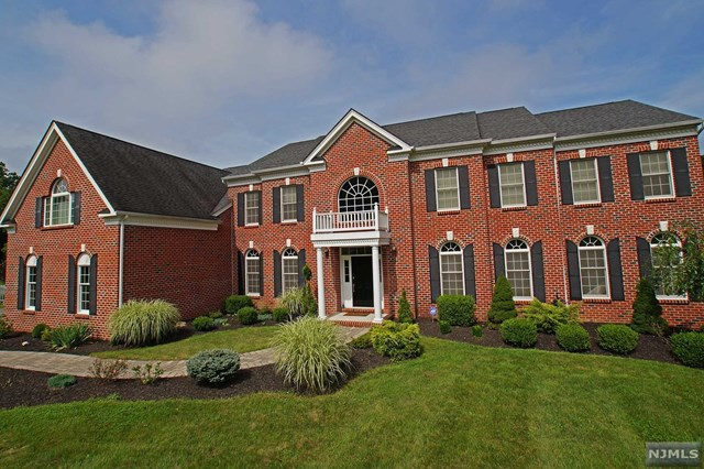 9 Limekiln Court, Andover, NJ 07821