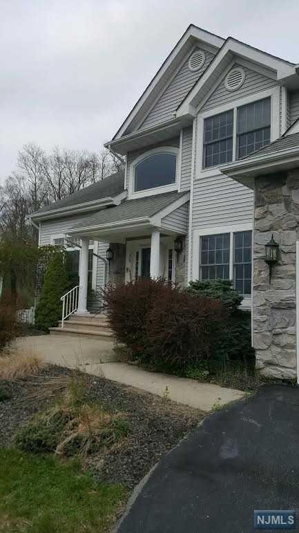 36 Ramapo Mountain Drive, Wanaque, NJ 07465
