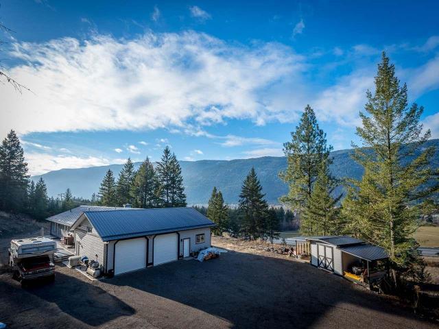 460 WALTERDALE ROAD, Kamloops, 4 bed, 3 bath, at $669,900