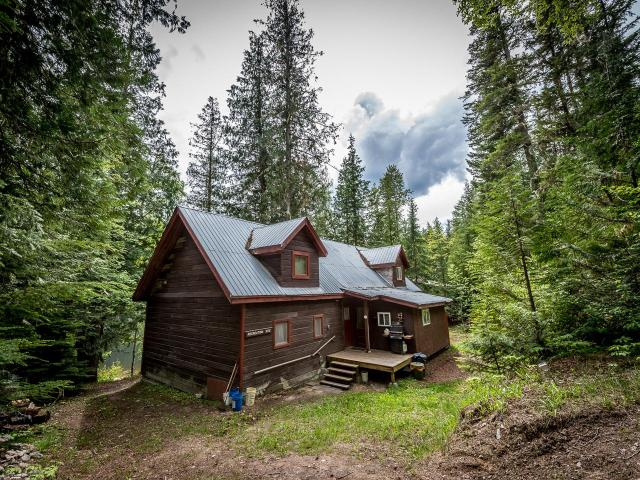 8996 BARRIERE NORTH ROAD, Barriere, 6 bed, at $499,900