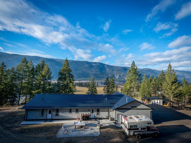 460 WALTERDALE ROAD, Kamloops, 4 bed, 3 bath, at $599,900
